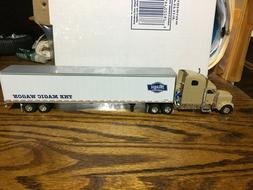 1/64 DCP SPECAST FREIGHTLINER & DCP 'MAGIC WAGON' TRAILER