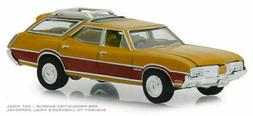Greenlight 1/64 Estate Wagons S3 1970 Oldsmobile Vista Cruis