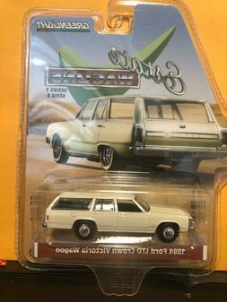 GREENLIGHT 1:64 Estate Wagons Series 3 1984 Ford LTD Crown V