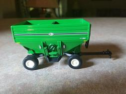 1/64 ERTL FARM TOY J&M 680 GRAVITY WAGON