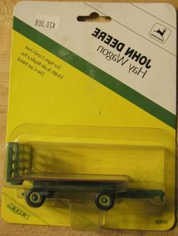 1/64 Ertl John Deere Hay Wagon