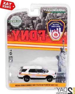GREENLIGHT 42870C 1988 FORD LTD VICTORIA WAGON NYPD POLICE D