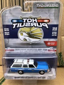 Greenlight  Hot Pursuit 1988 Ford  Crown Victoria LTD Wagon