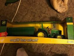 Ertl John Deere Tractor and Wagon 1:16 NIB