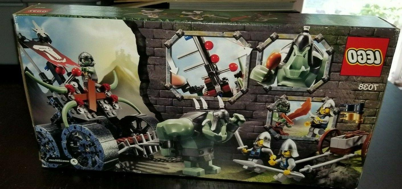 LEGO Castle 7038 Assault Wagon SEALED 2008 with 3 Minifigs