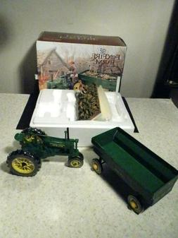 NEW IN BOX JOHN DEERE ERTL FOXFIRE FARM LATE HARVEST MODEL B