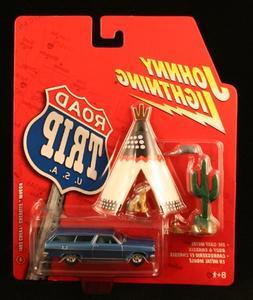 Johnny Lightning Road Trip USA 1965 Chevy Chevelle Wagon Blu