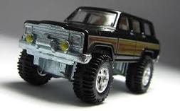 HOT WHEELS BOULEVARD 1:64 SCALE 1988 JEEP WAGONEER DIE-CAST